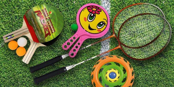 Letní outdoorové hry: badminton i plážový tenis