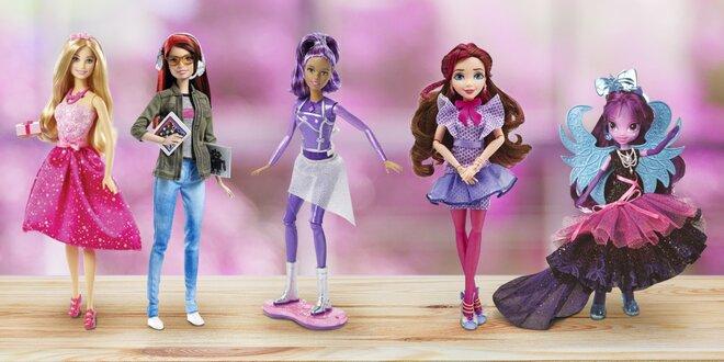 Panenky Barbie, Hasbro a plyšová velryba Sammi
