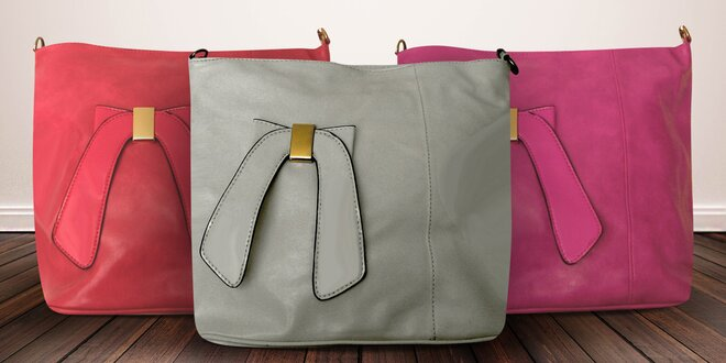 Dámské crossbody kabelky s lakýrovanou ozdobou