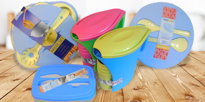 Plastové nádobí: boxy, konvice i set na těstoviny