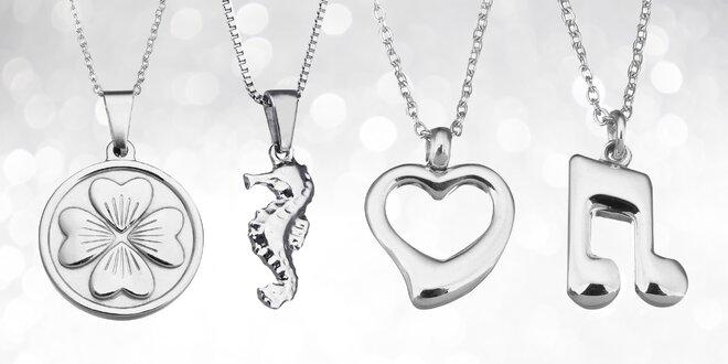 Velký výběr krásných šperků z chirurgické oceli