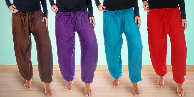 28b42e17b00 Harémové kalhoty z viskózového hedvábí vyrobené na Bali  v 5 různých barvách
