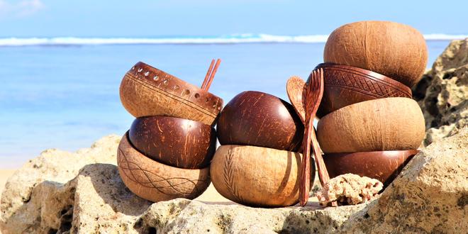 Originální přírodní kokosové nádobí z Bali