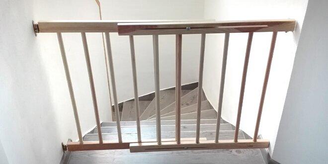 Bezpečnostní zábrana mezi dveře nebo na schody