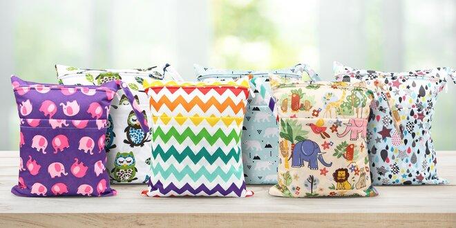 Praktické tašky na dětské pleny s veselými motivy