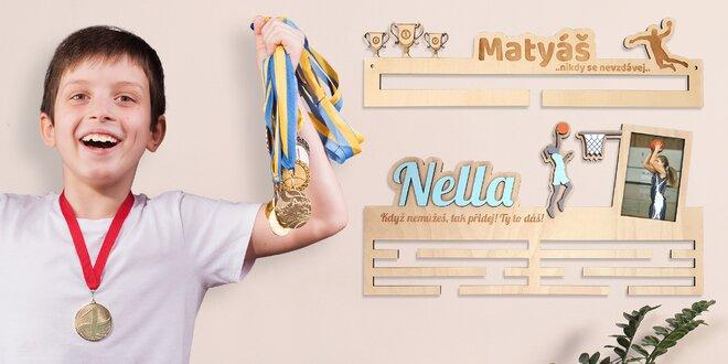 Věšáky na medaile pro sportovce i zvířata