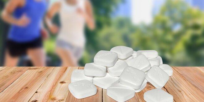 Hroznový cukr s příchutí třešně či černého rybízu