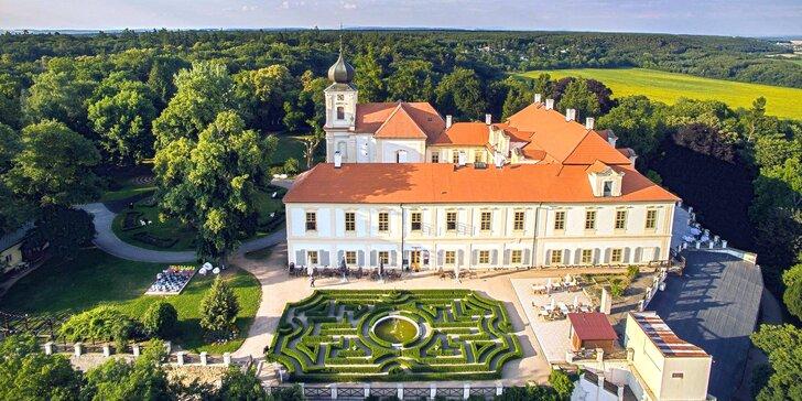 Romantika u zámku Loučeň: jídlo, bazén, prohlídka zámku i labyrintárium