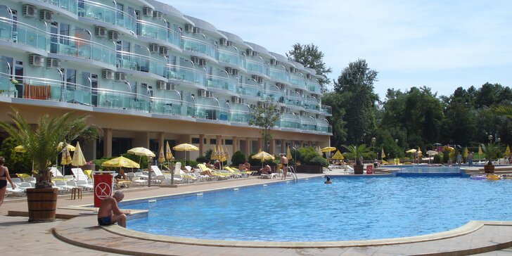 Letecky do Bulharska: 3 různé hotely se snídaní, polopenzí i all inclusive