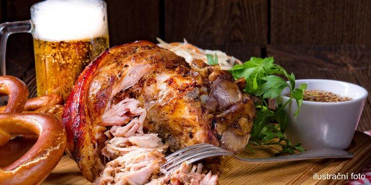 Obří uzená pečínka: 12 nebo 15 kilo kýty a pivo pro partu až 12 jedlíků