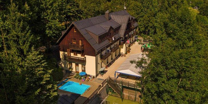 Dovolená ve Špindlerově Mlýně: polopenze, bazén i sauna a vířivka