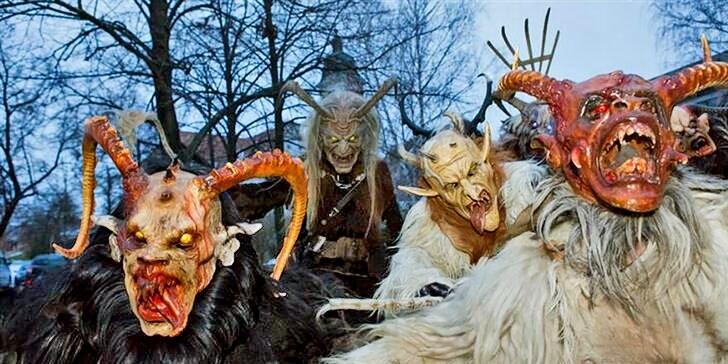 Výlet na vánoční trhy a průvod čertů do Retz, města v Dolním Rakousku