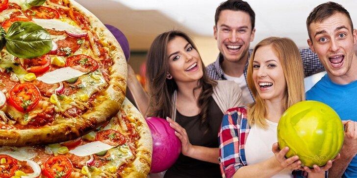 Bavte se s partou: hodina bowlingu pro 6 osob a 2 pizzy podle výběru