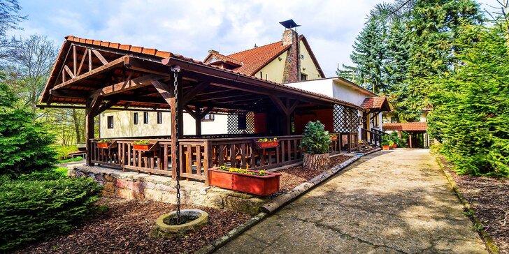 Pobyt blízko Českého ráje s polopenzí a venkovním bazénem