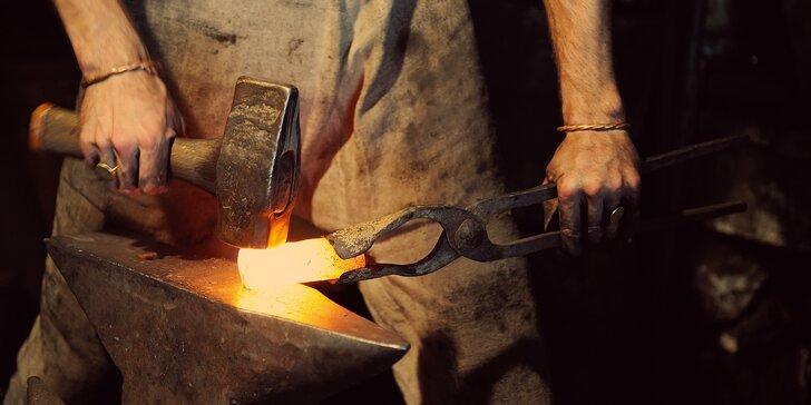 Kurz s kováním vlastního výrobku: květina, svícen, otvírák, nůž a zvoneček