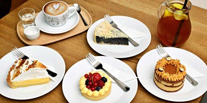 2 Steps 2 Heaven: dezert dle výběru s kávou nebo čajem pro 1 i 2 osoby