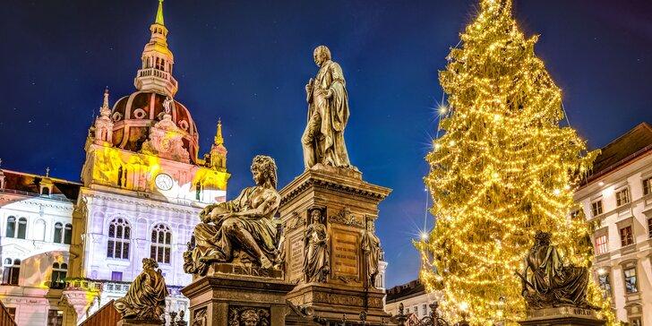 Výlet na adventní trhy v Grazu: ledový betlém i největší adventní kalendář světa