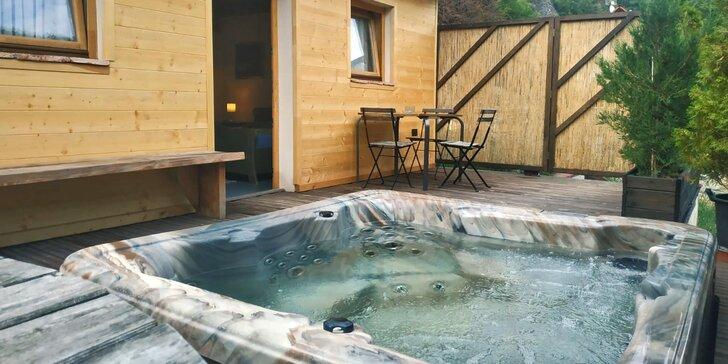 Apartmán přímo pod Karlštejnem: snídaně, privátní sauna a vířivka
