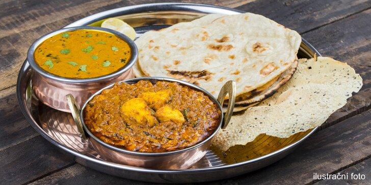 Polední menu v indické restauraci v Kolíně: vegetariánské i kuřecí