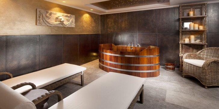 Privátní wellness pro dva s vířivkou, saunou i šumivým vínem