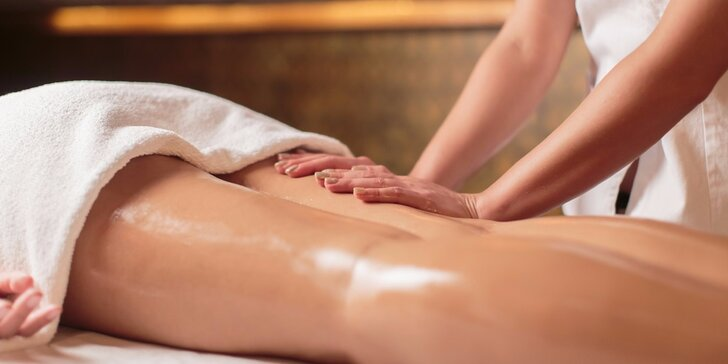 Anticelulitidní masáž či manuální lymfodrenáž v délce až 90 minut dle výběru