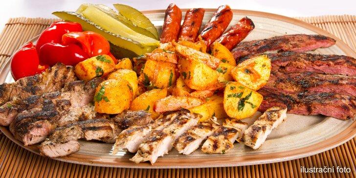 Večeře podávaná ve vinném sklípku: tatarák, steakový mix, případně i víno