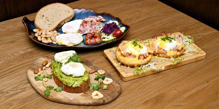 Snídaně podle výběru: anglická, zdravá s avokádem i vejce benedikt