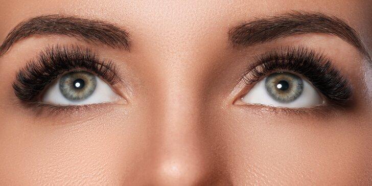 Vláskování obočí: 6D microblading či pudrová metoda pro přirozený vzhled