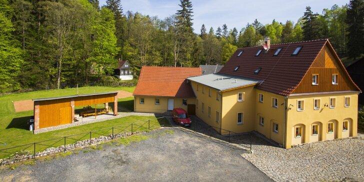 Dovolená v přírodě Českého Švýcarska s polopenzí a láhví vína