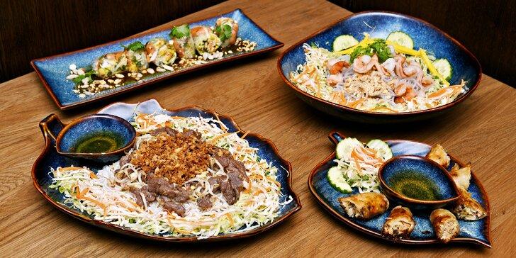 Jarní závitky i vietnamské miến trộn nudle nebo bún bò nam bộ pro 1 i 2 os.