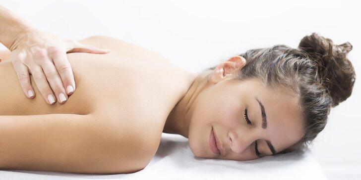 90 minut relaxace: balíček s masáží a zábalem pro dokonalé uvolnění