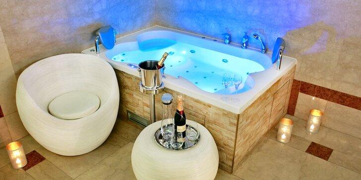 Majestátní relaxace pro dva: sauna a vířivka či vinná koupel i s láhví vína