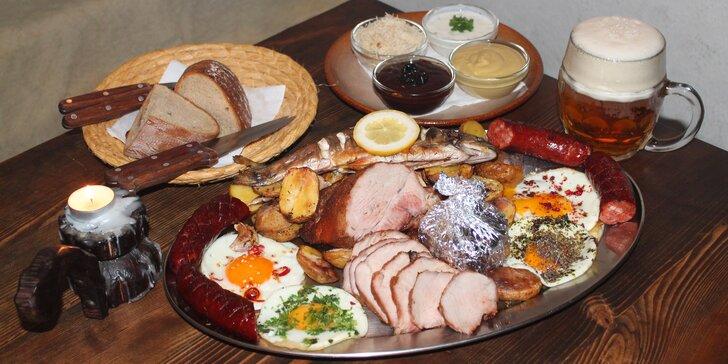 Pořádná porce dobrot: hostina s masem, rybou i hermelínem pro partu 4 nebo 8 osob