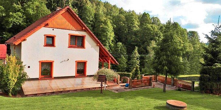 Chalupa v Podkrkonoší až pro 15 osob: zahrada, grilování a vybavená herna