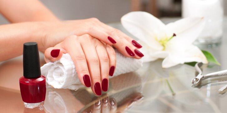 Manikúra s P-Shine nebo parafínovou péčí a gel lak pro krásné ruce