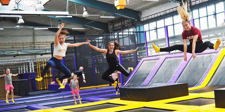 Zbrusu nový JumpPark Brno: hodina hopsání, skákání a řádění na trampolínách