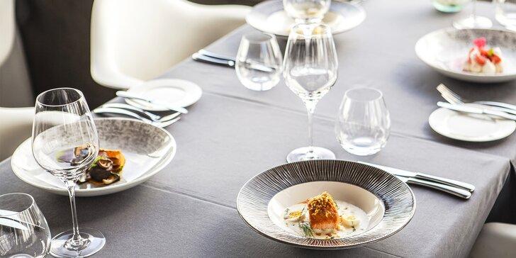 Luxusní 5chodové menu na Žižkovské věži: lanýž, losos, kachní prsa i koktejl