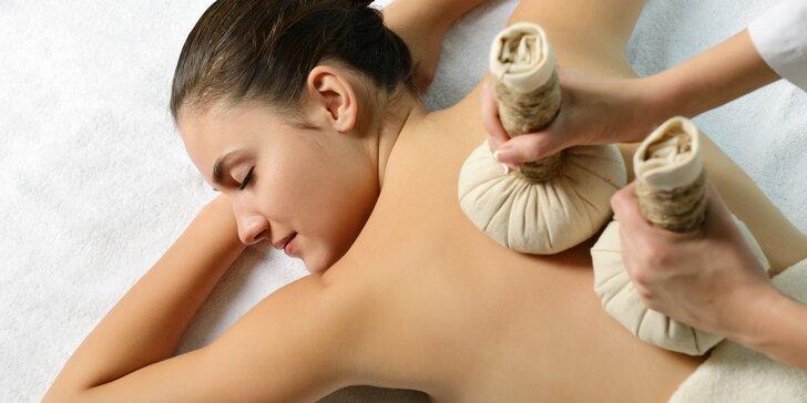 Kineziotaping či masáž zad, krku, šíje a hlavy s použitím bylinných měšců i se zábalem