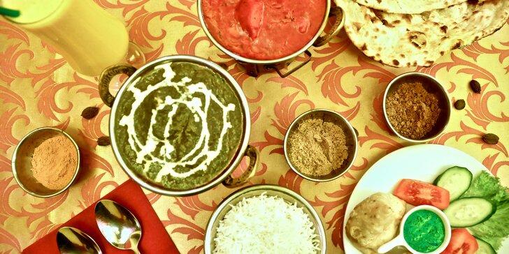 Indické menu pro 2 nebo 4 osoby v restauraci s krásnou zahrádkou