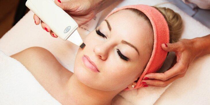 Kompletní kosmetická péče o pleť: mikrodermabraze či ultrazvukové čištění