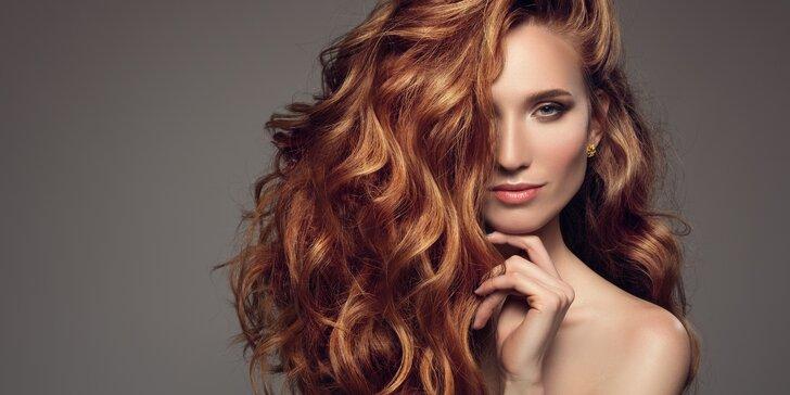 Kadeřnický střih s možností melíru nebo barvy pro všechny délky vlasů