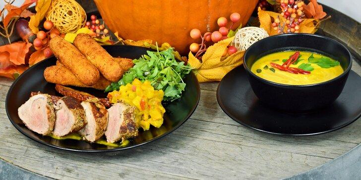 Podzimní menu s chutí dýně: polévka, vepřová panenka a koláček pro dva