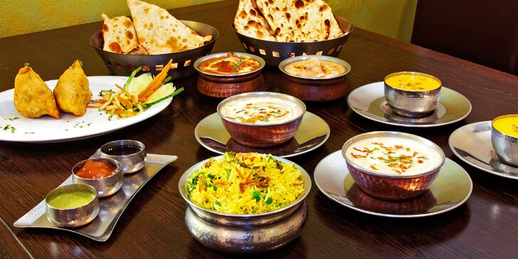 Indické menu s kuřecím i vege pro 2 osoby: předkrm, hlavní chody i dezerty