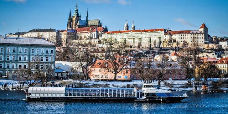 Hodinová i dvouhodinová adventní plavba po Vltavě pro dítě i dospělého
