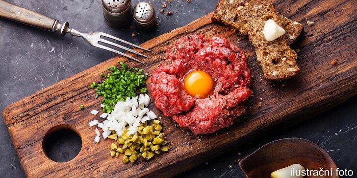 Tataráček v lese: 300 nebo 500 gramů a k tomu porce křupavých topinek