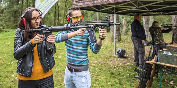 Dobrodružství na střelnici: 33, 66 a 111 nábojů a výběr z 350 zbraní