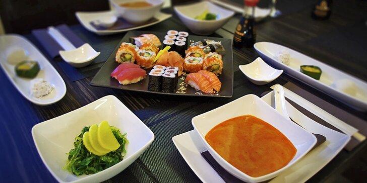 Degustační japonské menu pro dva: polévka, salát, 28 ks sushi a dezert