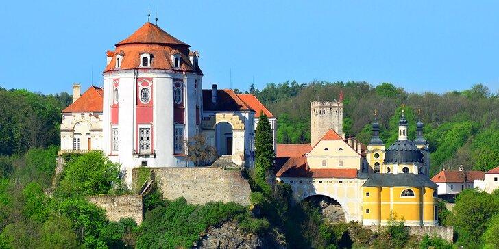 Jaro nebo léto ve Vranově nad Dyjí: pobyt v hotelu pod zámkem se zapůjčením kol