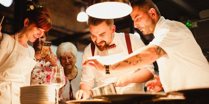 Kurzy vaření ve Food Atelieru: ryby a dary moře, moderní bezmasá kuchyně i dezert