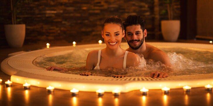 2hodinový relax v soukromém wellness s vířivkou a saunou pro dva